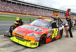 Jeff Gordon Car 24 Pit Stop Action 09