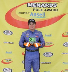 Mingus overcomes mechanical issue, wins pole