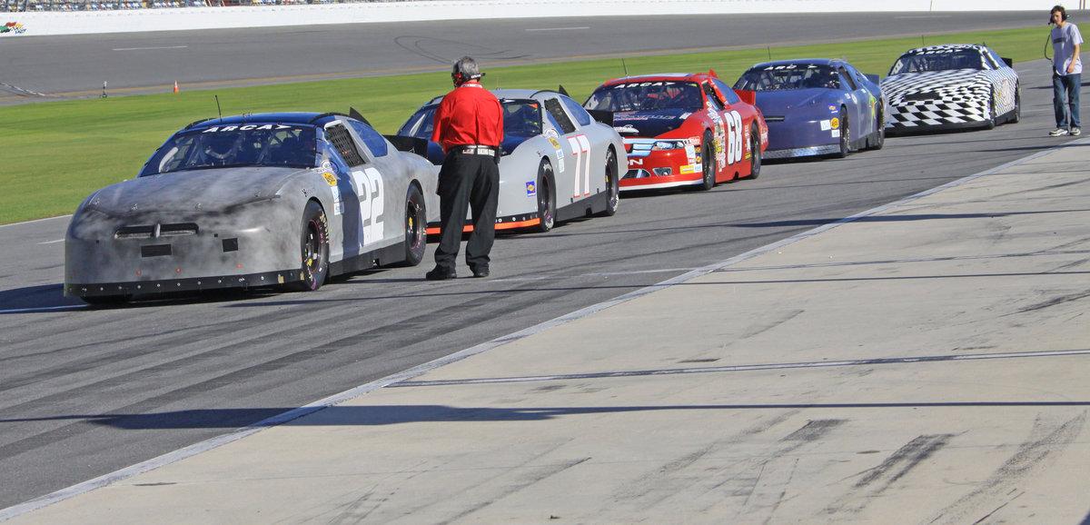 Entries grow for Daytona testing Friday & Saturday