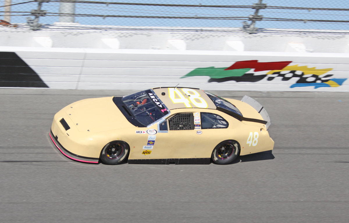 Live timing & scoring from Daytona Friday & Saturday, Oldfield grandstands open to public, entries grow