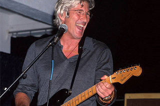 Richard Gere Guitar 480