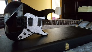 2004 Jackson Relic Rhoads (1 off replica of a 1982 RR1T built by Mike Shannon for 2004 NAMM show)