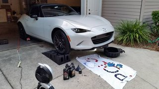 Mazda MX-5 Miata oil change